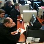 Die Teilnehmer/innen bei der Produktion ihres eigenen Computerspiels